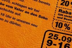 haptik-leder.jpg - d:Auf Leder gedrucktes Mailing. - sd: